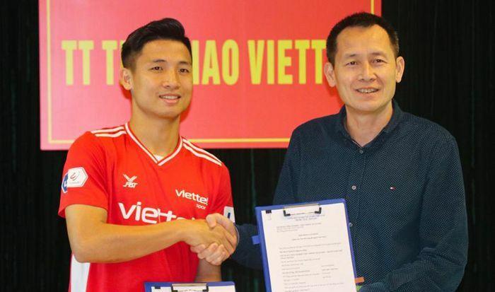 Bùi Tiến Dũng, Trương Văn Thiết ký hợp đồng dài hạn với Viettel FC