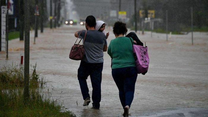 Lũ lụt nghiêm trọng, đường phố Sydney (Australia) ngập nặng