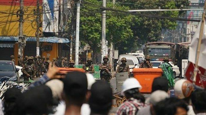 Người Myanmar tập trung ở biên giới chờ được vào Ấn Độ