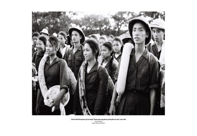 Xúc động hình ảnh khúc tráng ca của tuổi trẻ Việt Nam một thời hào hùng