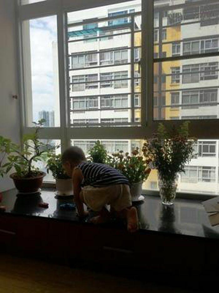 An toàn cho trẻ ở chung cư cao tầng: Xin đừng chủ quan nữa…