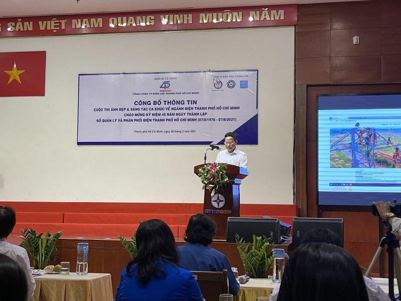 NSNA Lê Xuân Thăng chấm thi ảnh với giải thưởng gần 100 triệu đồng