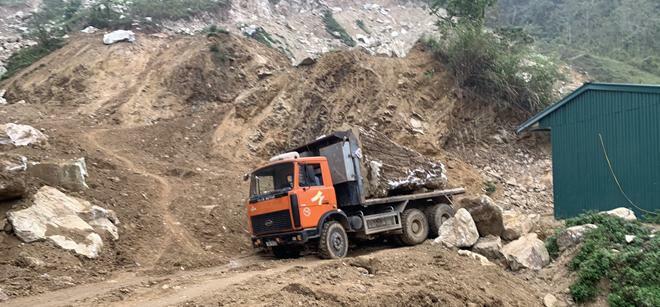 Môi trường Suối Giàng ô nhiễm vì khai thác đá cảnh