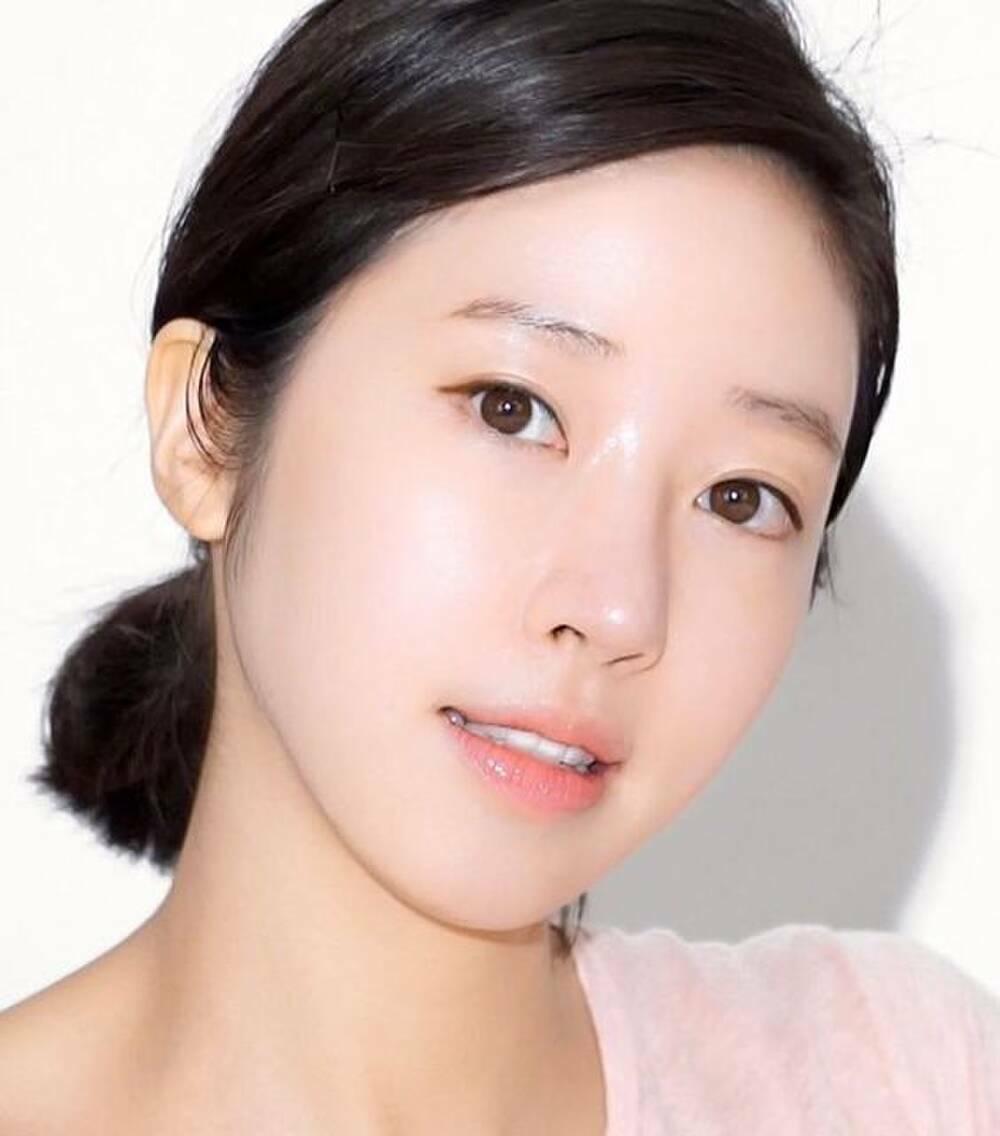 Nguyên tắc thoa kem dưỡng ẩm 3 giây của phụ nữ Hàn Quốc