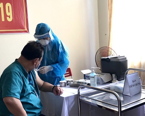 5.248 người Việt Nam đã tiêm vắc xin phòng COVID- 19