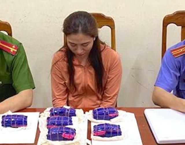 """Vụ """"hot girl"""" spa mua bán 12.000 viên hồng phiến: Chân dung Ngô Thị Trang"""