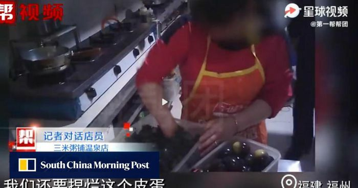 Chuỗi nhà hàng nổi tiếng Trung Quốc nấu thức ăn thừa cho thực khách