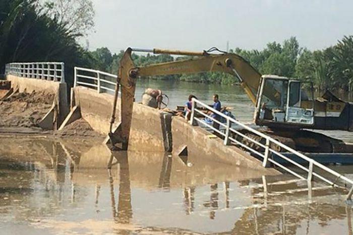 """TP.HCM đặt mục tiêu xử lý """"điểm nóng"""" về sạt lở ở khu dân cư ven sông, biển"""
