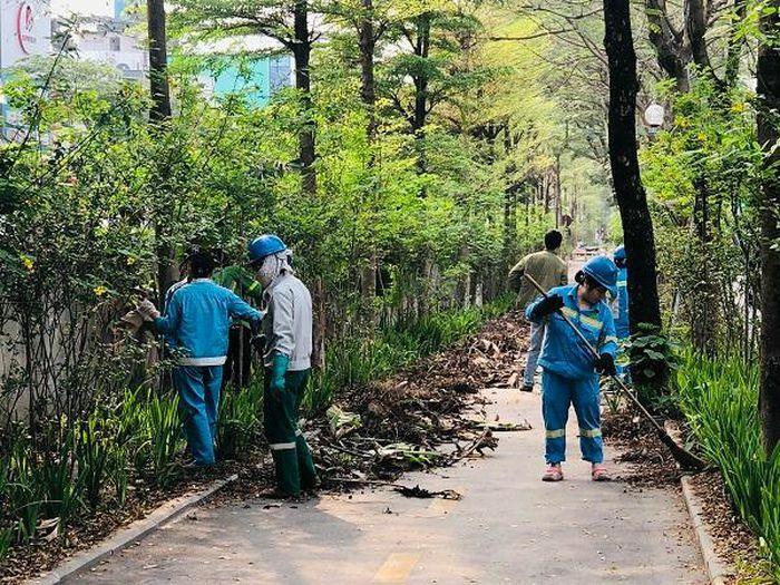 Quận Đống Đa tăng cường đảm bảo vệ sinh môi trường, cảnh quan đường phố