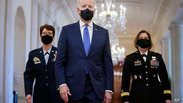 Ông Biden bổ nhiệm 2 nữ tư lệnh quân đội