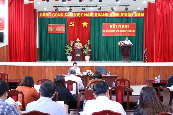 Huyện ủy Khánh Vĩnh: Hội nghị Ban Chấp hành lần thứ 4