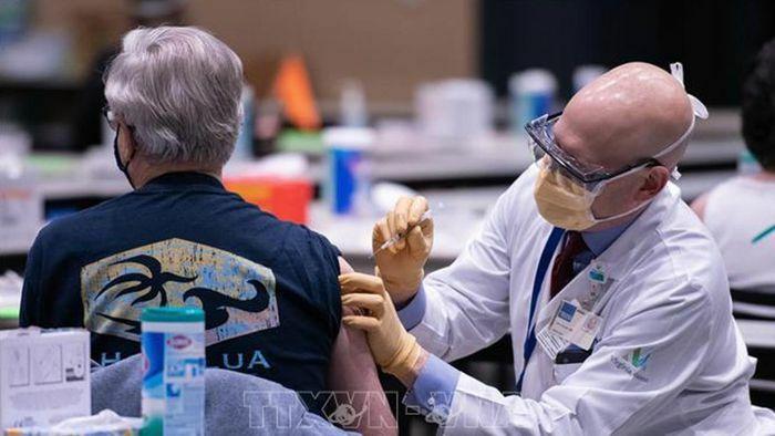 Mỹ tăng nguồn cung vaccine ngừa Covid-19 thêm 600 nghìn liều