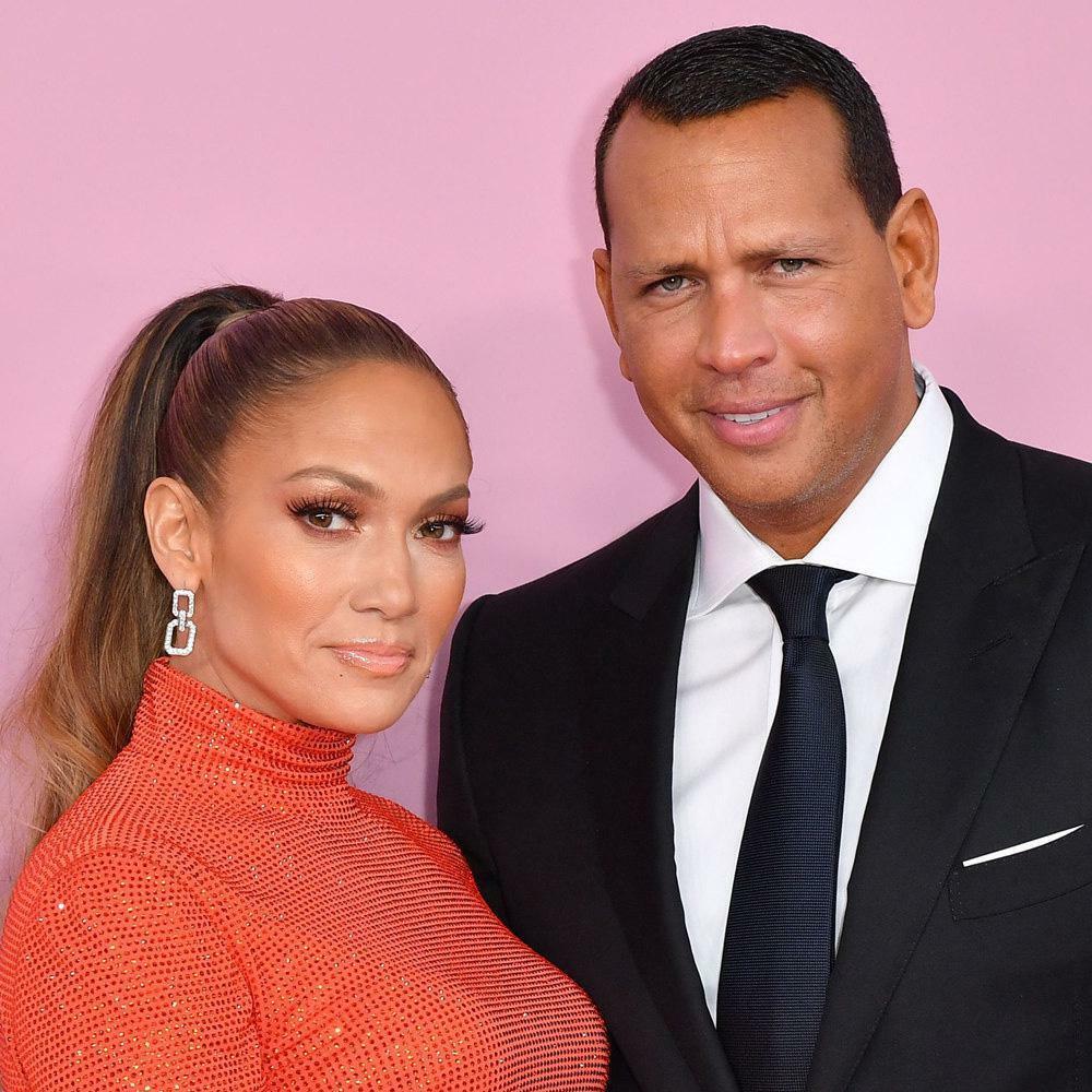 Ca sĩ nóng bỏng Jennifer Lopez chia tay hôn phu kém 25 tuổi
