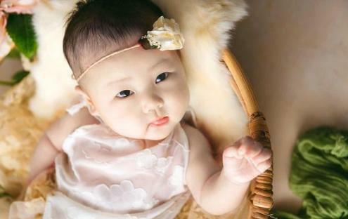 Cha mẹ sinh ngày Âm lịch này, con cái không thành Rồng cũng thành Phượng, cả đời phú quý