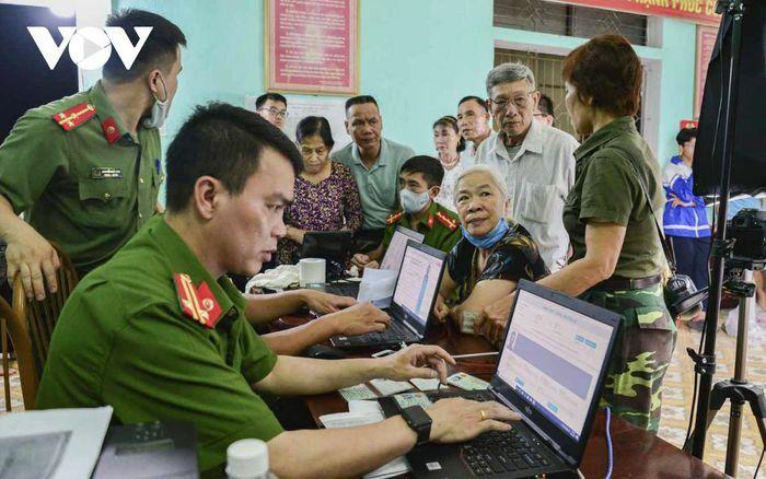 Nỗ lực ngày đêm để cấp hơn 420.000 căn cước gắn chip điện tử cho người dân ở Điện Biên