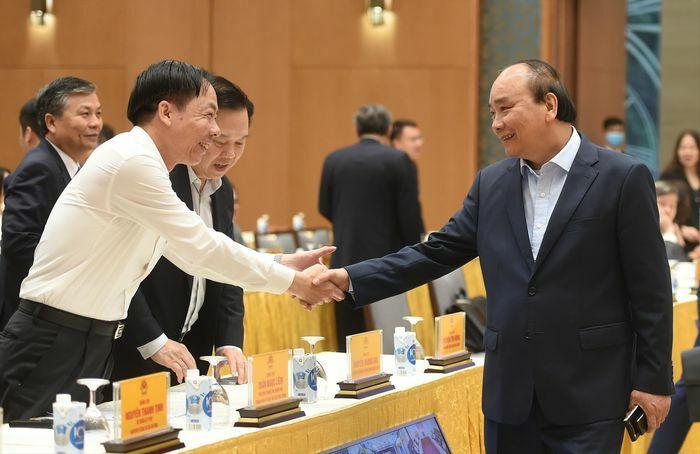 Thủ tướng Nguyễn Xuân Phúc: Chấm dứt tình trạng sân trước, sân sau