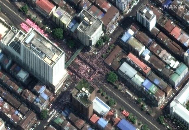 Hình ảnh biểu tình phản đối đảo chính ở Myanmar qua vệ tinh