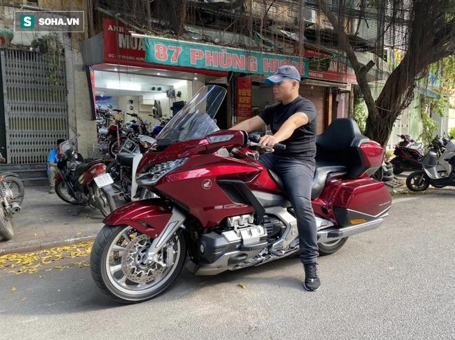 Thợ săn xe cổ nổi tiếng Việt Nam: Cái nghiệp với nghề Xiếc và những chiếc xe CUB hàng trăm triệu