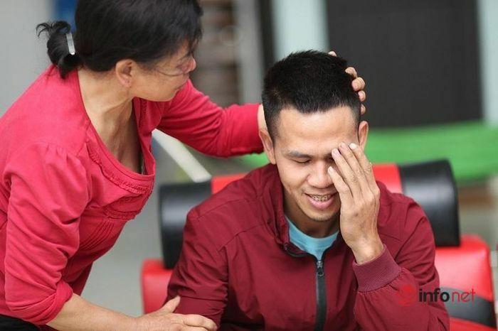 Người bố trẻ cứu cô bé rơi từ tầng 12: Lòng tốt vượt trên tất cả!