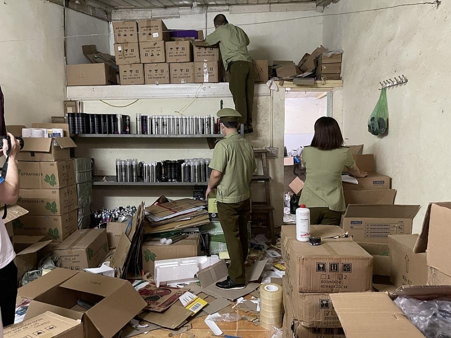 QLTT: Xử lý trường hợp thuê phòng trọ bán mỹ phẩm trôi nổi online
