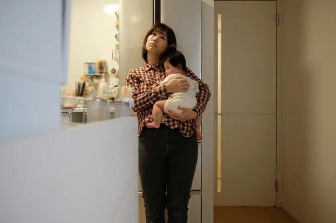 """""""Đắng lòng"""" khi nghe tâm sự của một bà mẹ ở nhà chăm con, hàng nghìn mẹ đồng cảm vì thấy cảnh ngộ của mình giống y chang"""