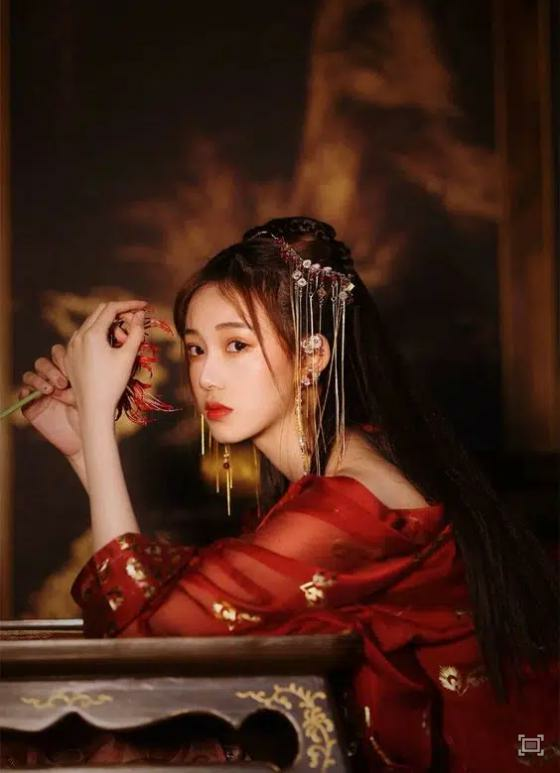 Hoàng hậu mệnh khổ: Hoàng đế vừa qua đời đã bị Thái tử ép… thị tẩm