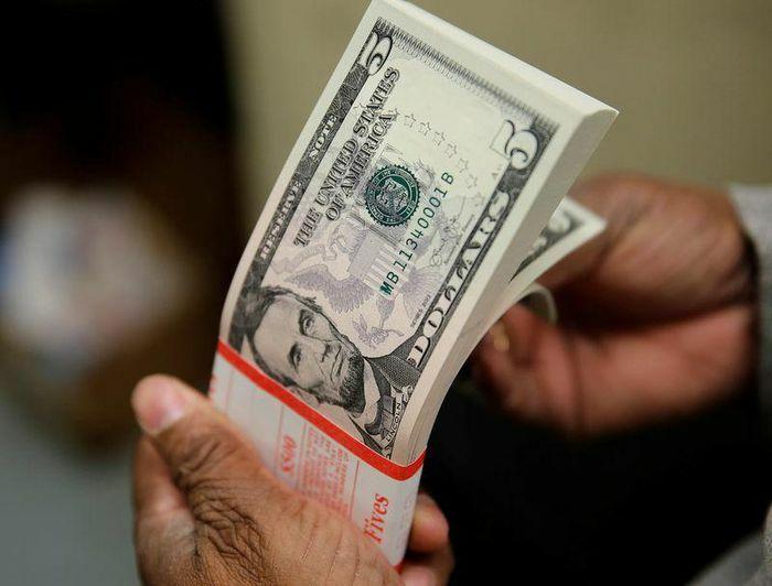 Tỷ giá ngoại tệ ngày 6/3: USD cao nhất 3 tháng