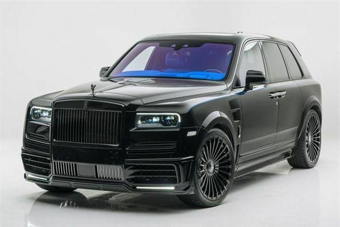 Siêu xe Rolls-Royce Cullinan hầm hố với gói độ của Mansory