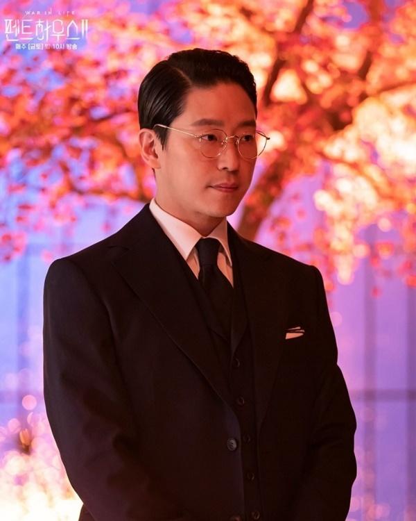 Ju Dan Tae – trùm phản diện vàng 'Penthouse': Giết ai – Người đó sống lại!