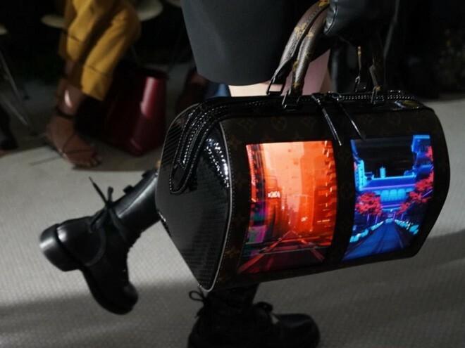 Đẳng cấp mới của Louis Vuitton: Tích hợp màn hình OLED vào túi xách, thời gian hiển thị tận 4 tiếng