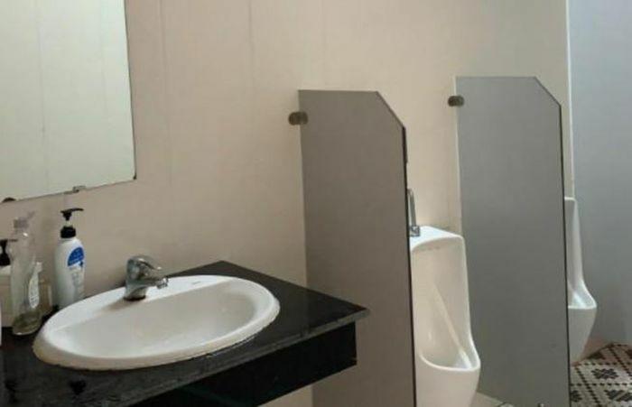 Huyện giải thích việc xin 1 tỉ đồng sửa chữa nhà vệ sinh