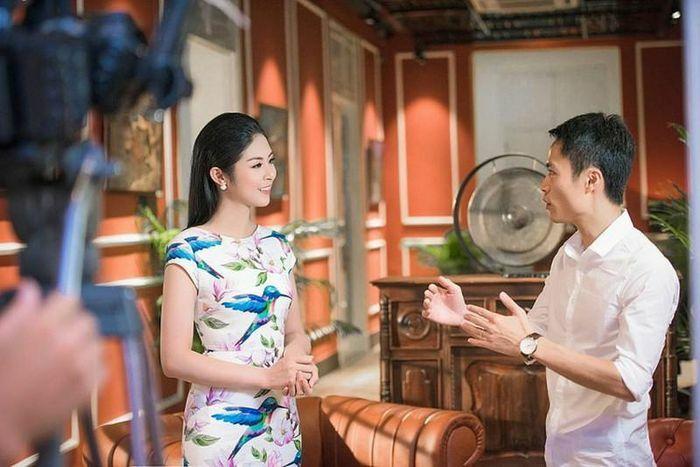 """Vì sao loạt Hoa hậu từng lấn sân làm MC của VTV bỗng """"biến mất""""?"""