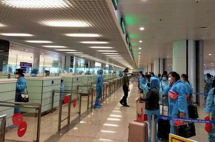 Đề xuất khôi phục các chuyến bay quốc tế chở khách theo 3 giai đoạn