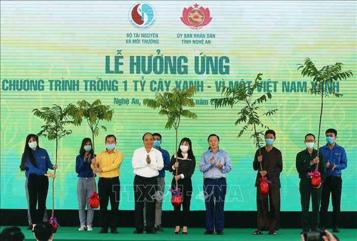 Thủ tướng dự Lễ hưởng ứng trồng 1 tỷ cây xanh – Vì một Việt Nam xanh