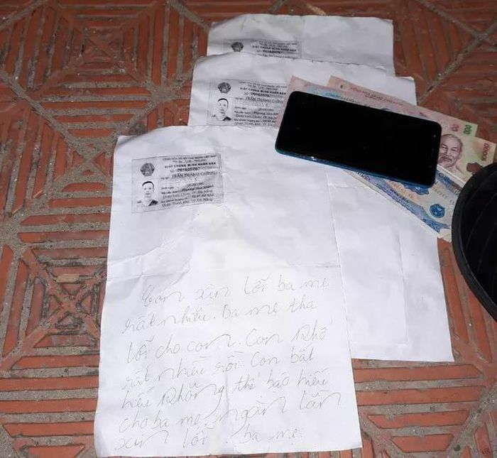 Vụ tài xế Grab bỏ lại xe trên cầu, mất tích: Bức thư tuyệt mệnh viết gì?