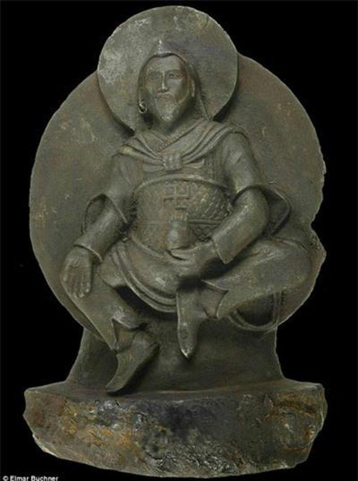 Nguồn gốc ngoài hành tinh của tượng Phật ngàn năm