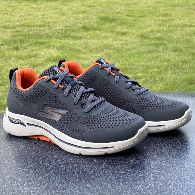 Thoải mái vận động với giày thể thao mới của Skechers