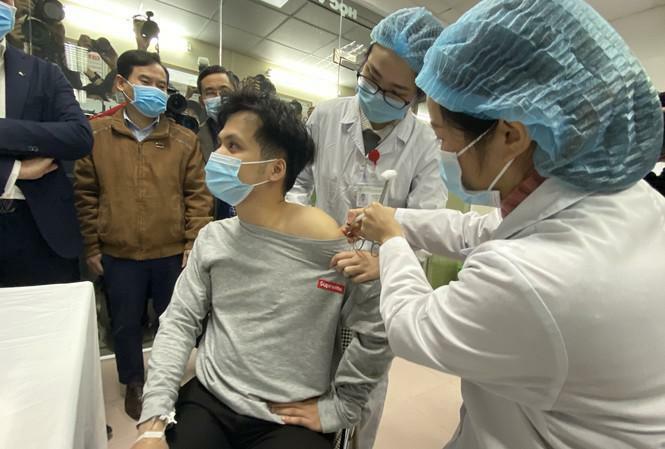 560 người tiêm mũi 1, giai đoạn 2 vắc xin Nano Covax Việt Nam