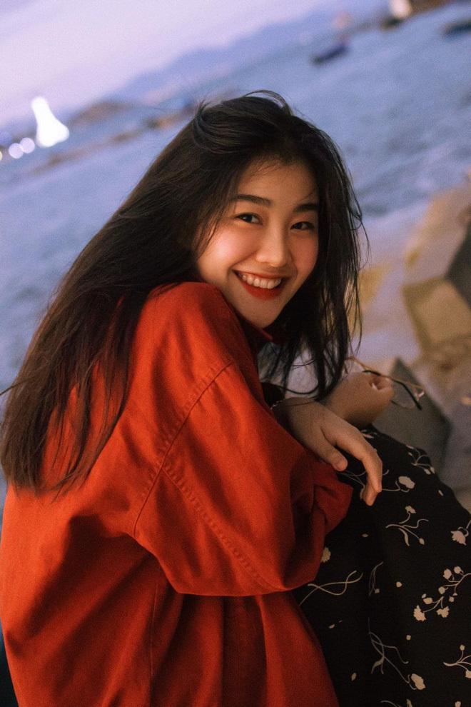 """Mê chữ """"ê"""" kéo dài với style vintage của gái xinh Nha Trang, ngỡ tưởng bước ra từ phim Hong Kong hồi thập niên 90 luôn đó"""