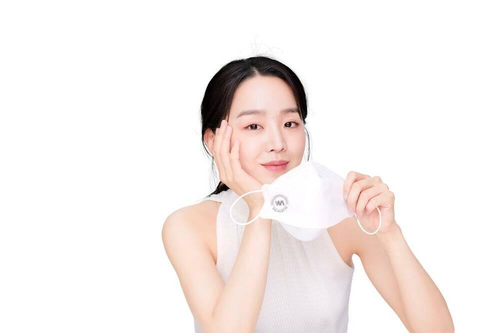 """Shin Hye Sun bị tẩy chay vì đóng """"Mr. Queen"""""""