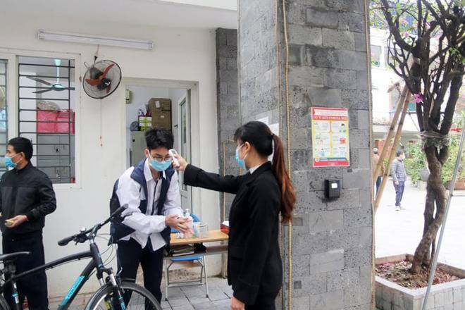 Hơn 2 triệu học sinh Hà Nội náo nức trở lại trường học sau đợt nghỉ dịch kéo dài