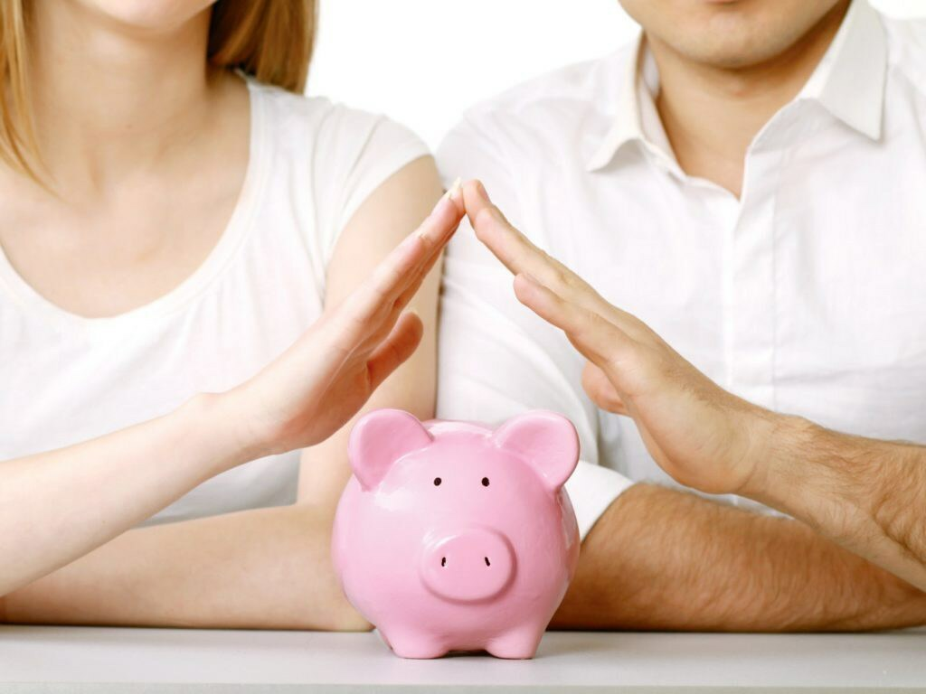 """4 chiến thuật """"nhỏ mà có võ"""" giúp các cặp vợ chồng không còn đau đầu vì tiền"""