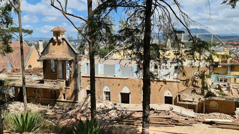 Điều tra vụ hai công nhân thiệt mạng khi tháo dỡ tu viện cổ ở Đà Lạt