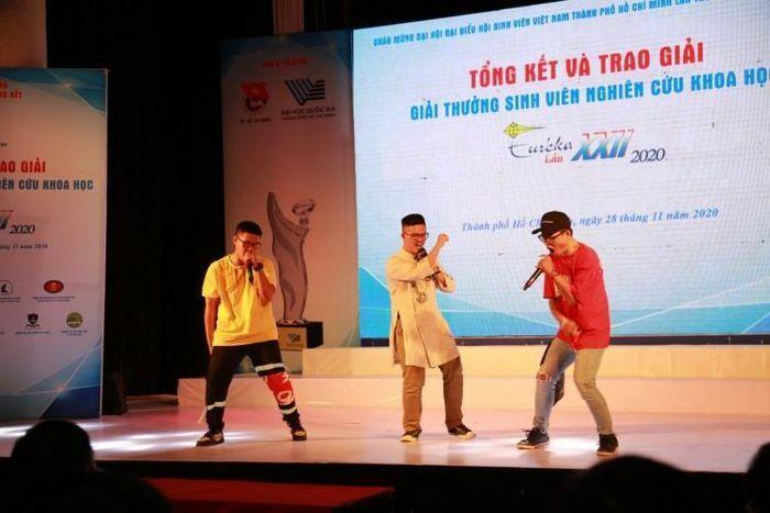 Nghiên cứu về Rap Việt chinh phục Euréka 2020