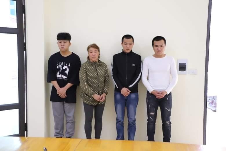 Giải cứu con trai bị truy nã vì đánh bạc, cả gia đình cầm gậy tấn công công an