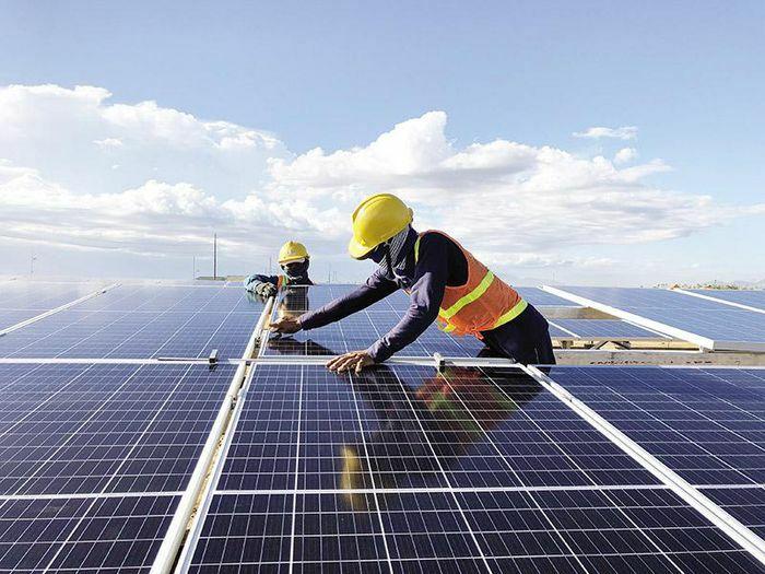 Dự án điện mặt trời kêu cứu: Ngân hàng có ngồi trên lửa?