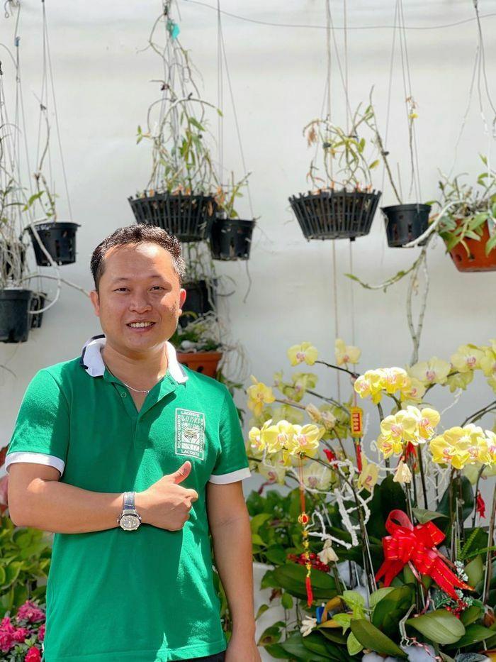 """Những """"bí kíp"""" của nghệ nhân hoa lan Trần Tấn Hiền về xử lý cây lan và giá thể trước khi ghép"""