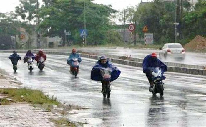 Cảnh báo mưa dông, gió giật mạnh ở vùng núi phía bắc