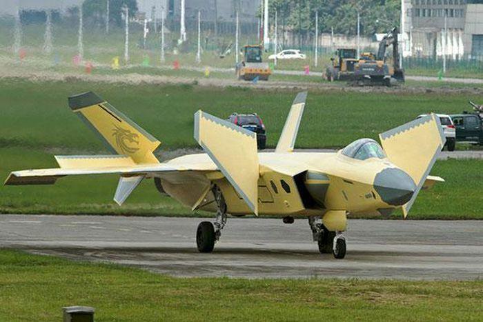 Sina: Rafale sẽ không thể chống lại J-20