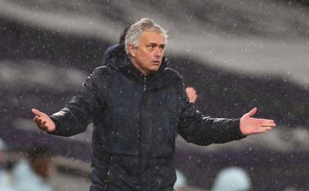 """""""Tottenham nên loại bỏ chiến thuật lỗi thời của Mourinho"""""""